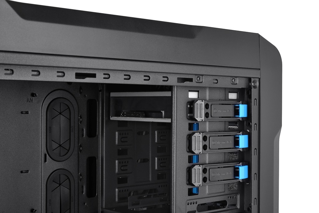 Thermaltake Launches Chaser A71 Gaming Case Dragonsteelmods