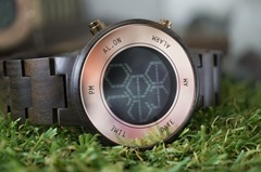 kisai_zone_wood_lcd_watch_from_tokyoflash_japan_04